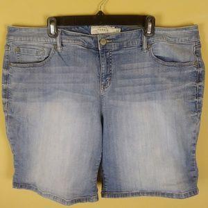 Torrid Denim Jean Shorts Size 22 Stretch Plus